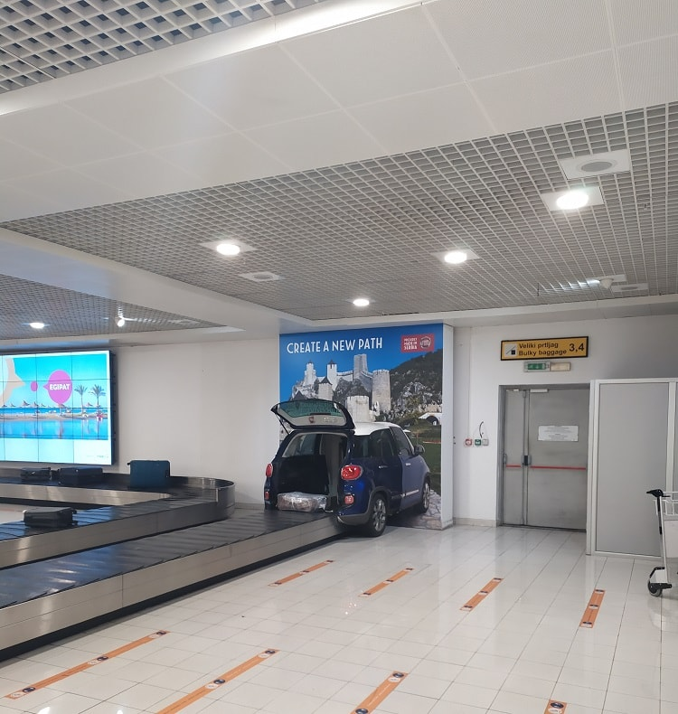 Лента багажа в аэрпоорту Белграда