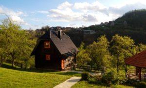 Дом на мокра горе в сербии