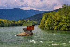 Дом на реке Сербия Босния