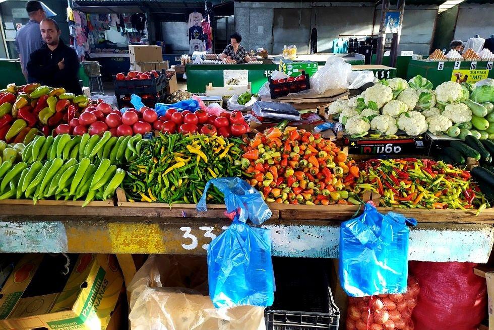 Продукты на рынке Сербии
