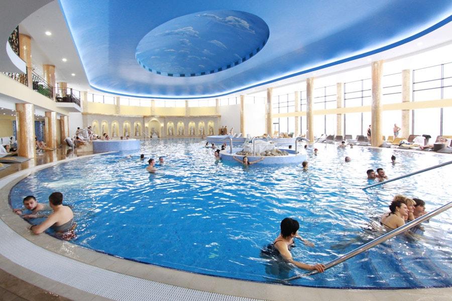 отели с термальными бассейнами
