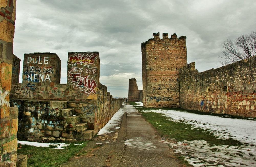 Внутри смедеревской крепости