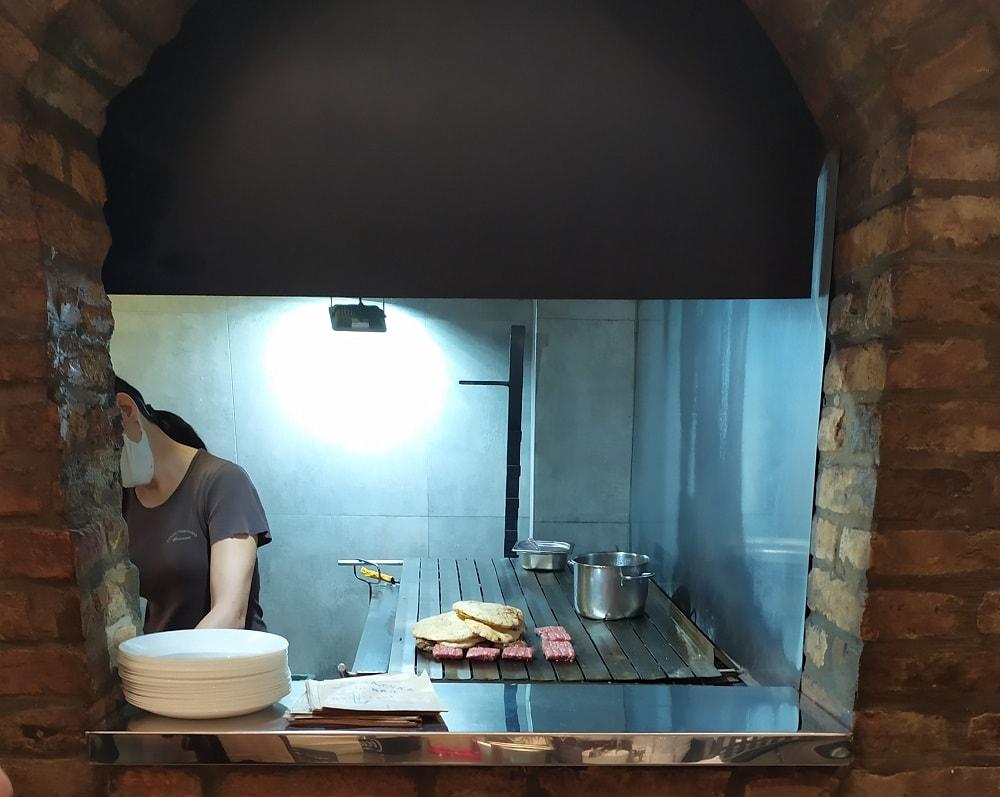 где поесть в Нови-Саде