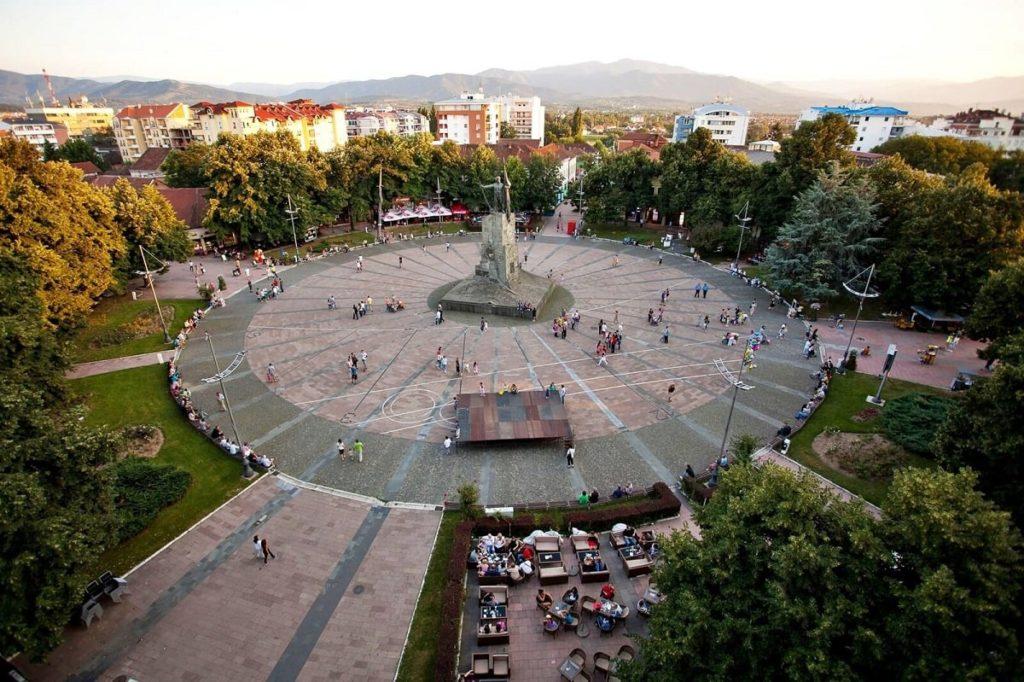 Главная площадь Кралево