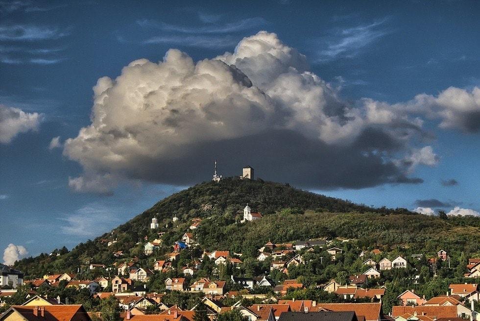 Вршац башня на холме