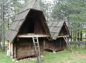 Клапдовая в Старо Село этно-деревня