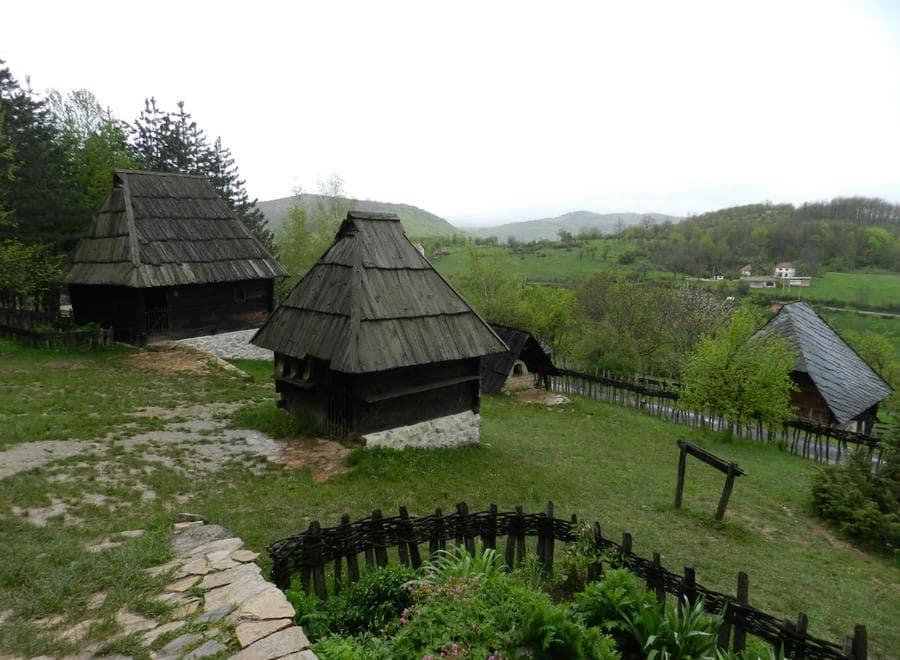 двор крестьянина в Сирогойно